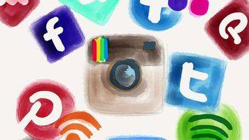 'Collage of Digital (Social) Networks' (CC BY-SA 2.0) by Frau Hölle