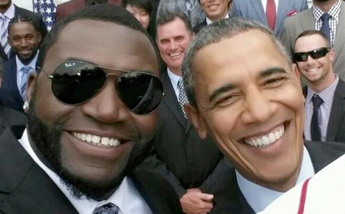 La imagen de Barack Obama choca con los selfies promocionados por las marcas